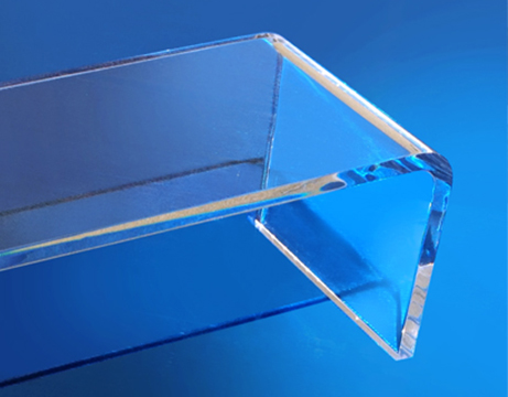 Plexiglass-piegato